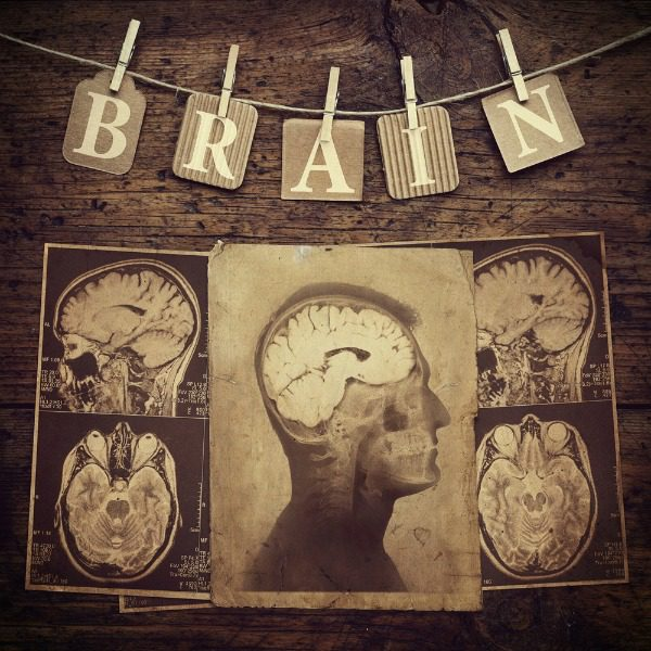 Retro brain graphic